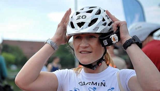 Iwona Guzowska na trasie w Elemental Triathlon Olsztyn 2013