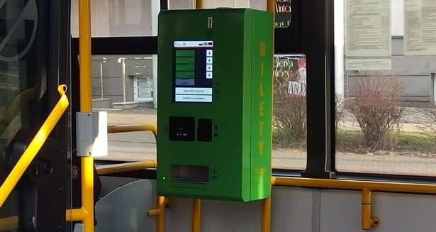 W jednym z olsztyńskich autobusów pojawił się mobilny biletomat