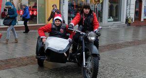 """Motomikołaje opanowały olsztyńską Starówkę <i class=""""icon-camera""""></i>"""