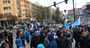 manifestacja-kibicow-stomilu (14)