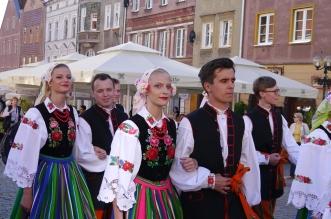 parada-zespolow-folklorystycznych-olsztyn-2016 (23)