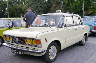 v-zlot-milosnikow-pojazdow-prl (91)