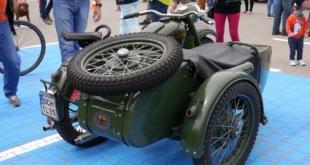 6-zlot-milosnikow-pojazdow-prl (65)