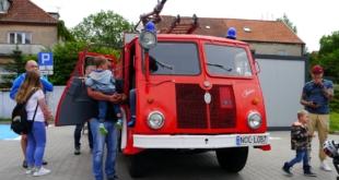 6-zlot-milosnikow-pojazdow-prl (68)