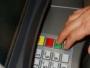 Ukradła karty bankomatowe współpracownikom – dokonała nimi 27 płatności na ponad tysiąc zł